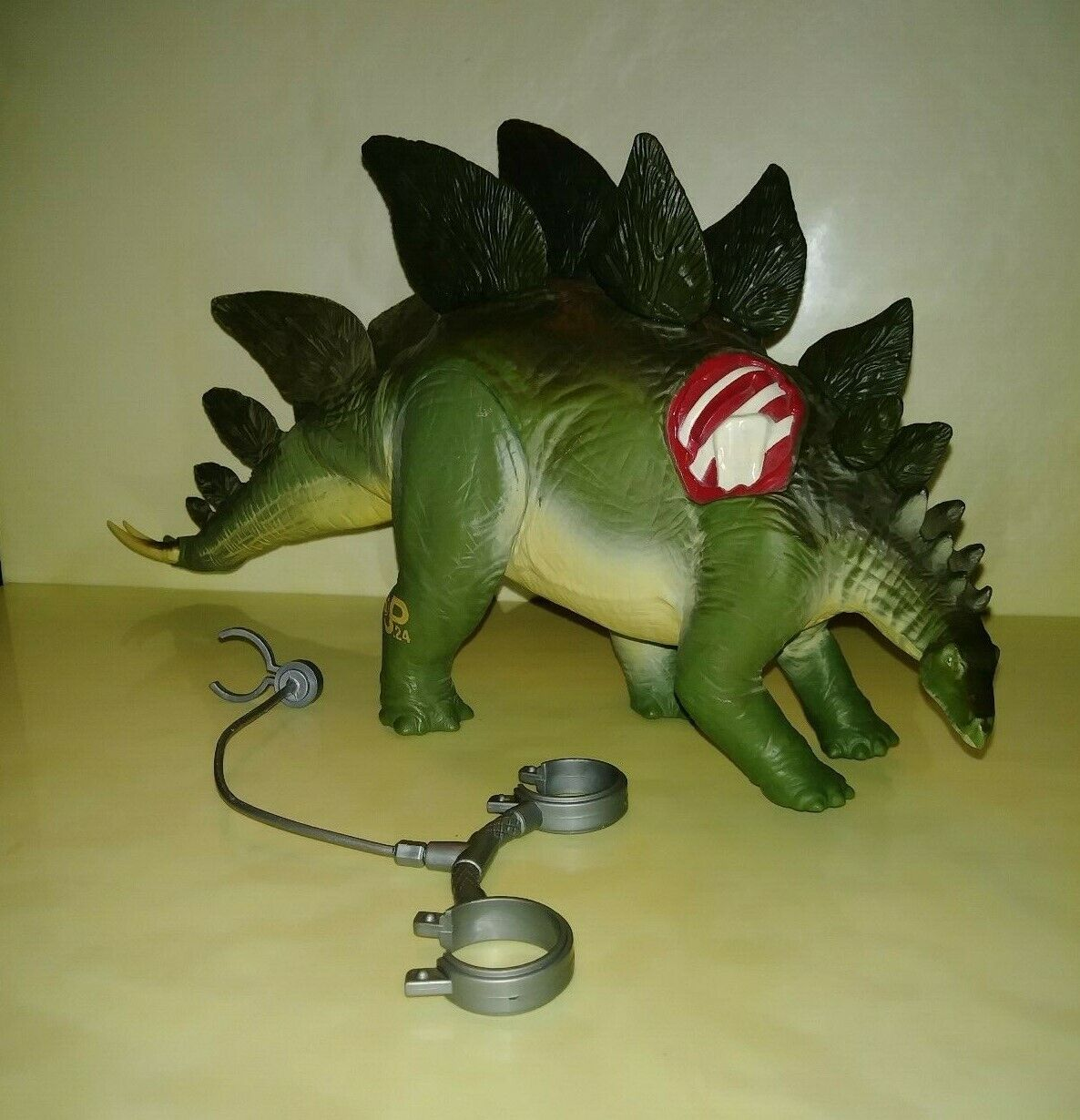 1997 The Lost World  Jurassic Park DINO-STRIKE STEGOSAURUS, Whipping Tail Action