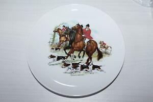 Vintage-Kaiser-W-Germany-Porcelain-Plate-Dog-amp-Horse-Hunting-Scene