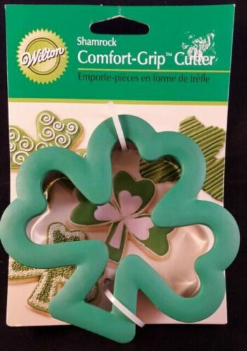NEW Wilton Comfort Grip SHAMROCK Cookie Cutter On Card St Patrick/'s Day