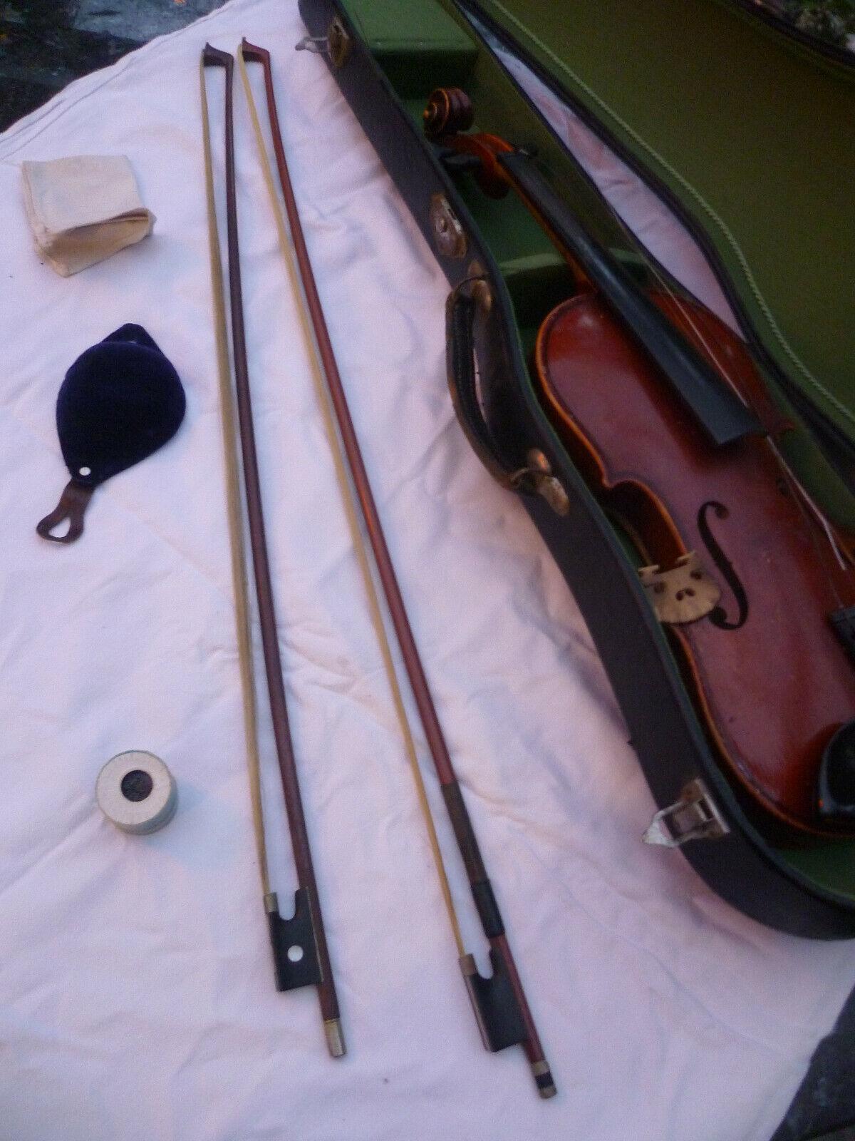 Sehr alte Geige mit 2 Bögen und Koffer