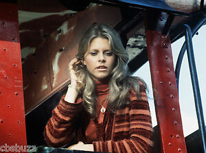 THE-BIONIC-WOMAN-LINDSAY-WAGNER-TV-SHOW-PHOTO-19