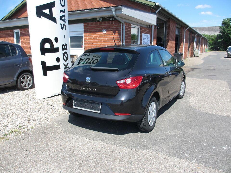 Seat Ibiza 1,4 16V Reference SC Benzin modelår 2010 km