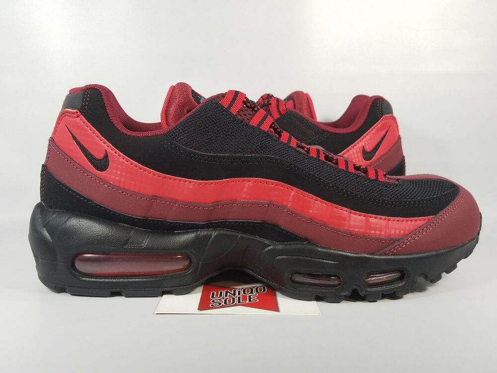 new concept e2ab6 e06e9 Nike Air Max 95 Essential TEAM UNIVERSITY RED Noir Noir Noir BRED  749766-600 Homme