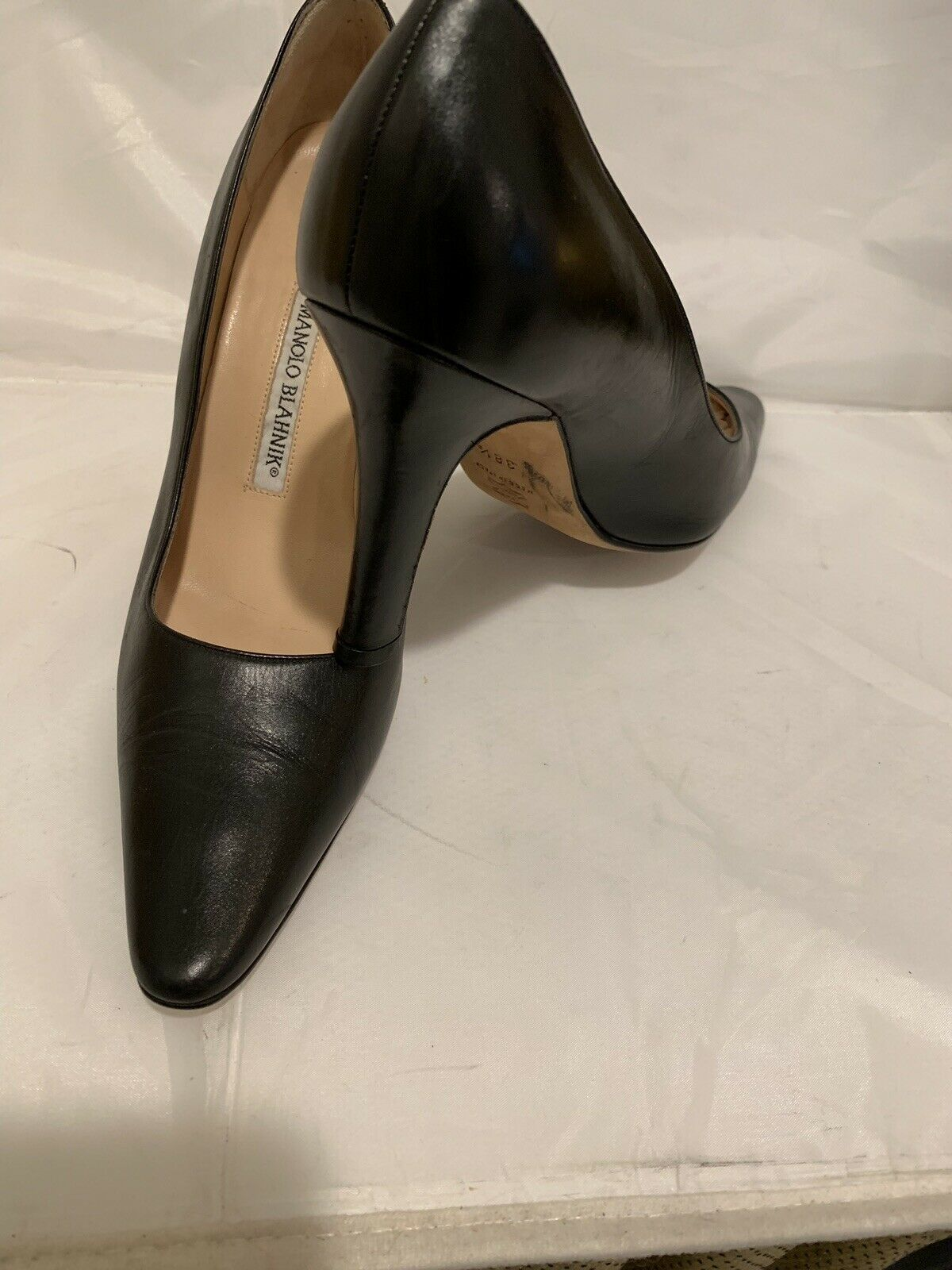 MANOLO BLAHNIK BLACK LEATHER SHOES ITALY SZ 38.5 EXCELLENT WORN ONCE  750.00