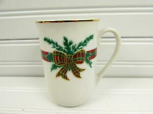The-Hunt-by-Georges-Briard-Mug-Red-amp-Green-Plaid-Band-Bow-amp-Pine-Branches-b204