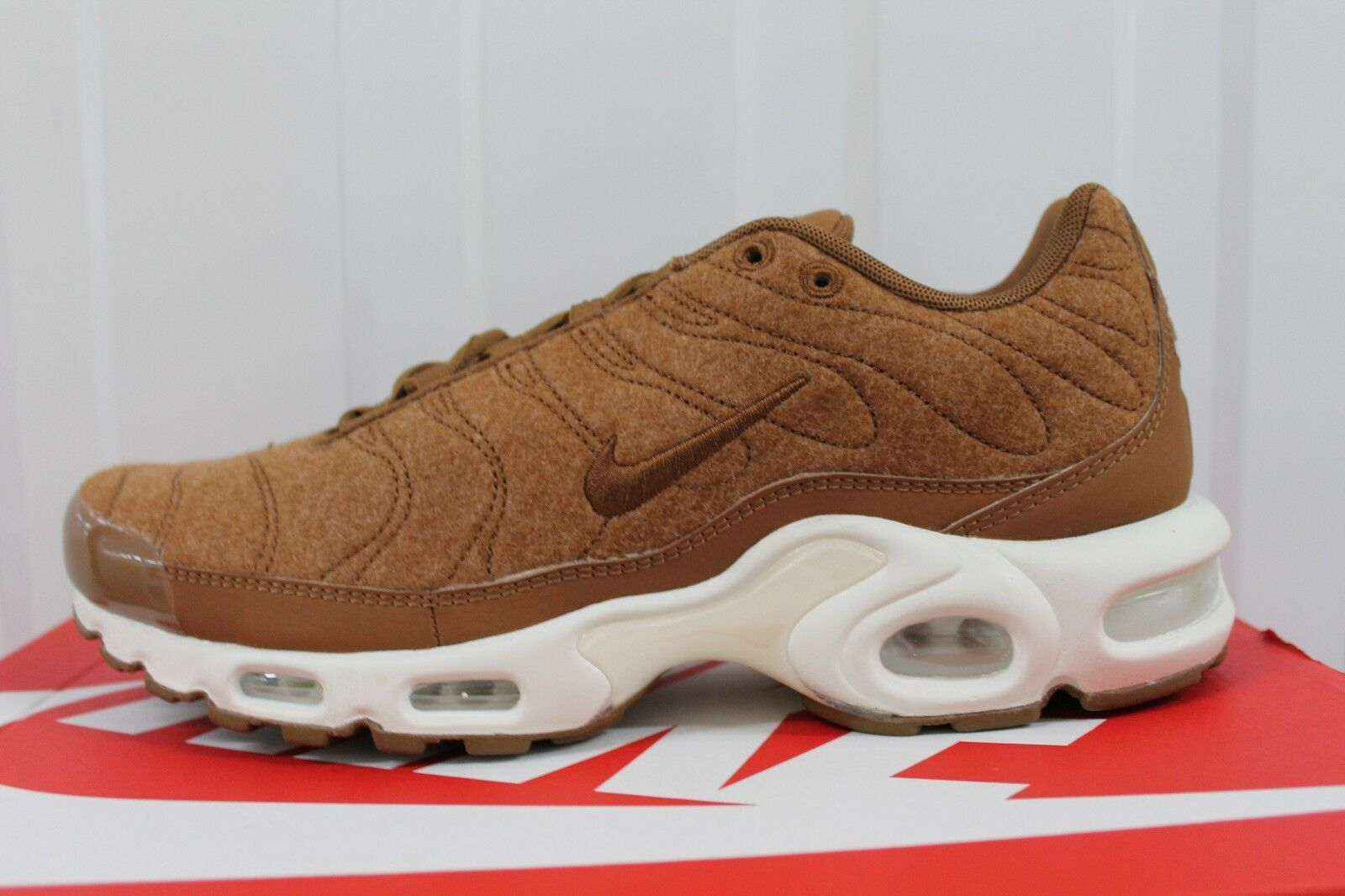 MEN,S NIKE AIR MAX PLUS TN QUILTED ALE BROWN 806262-200 BNIB           70