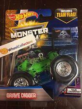 Grave Digger * w/ TEAM FLAG * 2017 Hot Wheels Monster Jam HF116