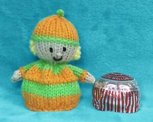 Tea Cake Marshmallow Halloween Mr Pumpkin chocolate cover KNITTING PATTERN