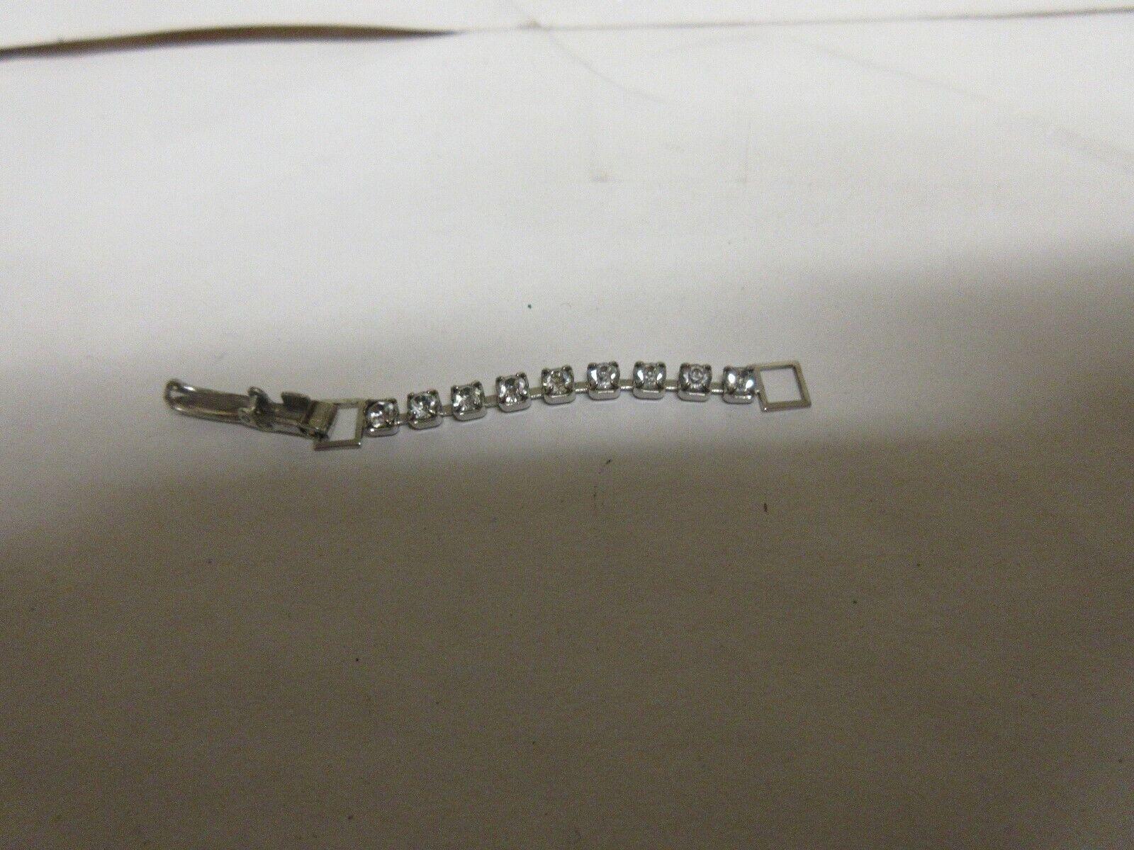 Costume Jewelry , Ladies Ring , Silver Belt Ring / Ston
