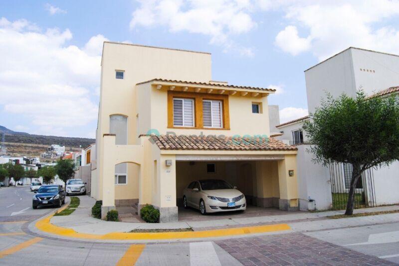 Casa Amueblada amplia en Lomas Punta del Este, eje metropolitano, cerca de clinica 58 Imss