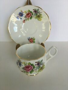 Rosina-Fine-Bone-China-Roses-Tea-Cup-and-Saucer-Made-in-England-Gold-Rim-Vintage