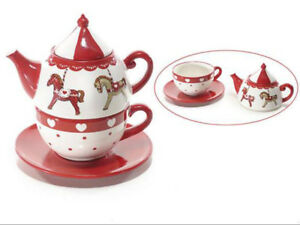 Tasse-Et-Theiere-Avec-Decoration-Carrousel-En-Ceramique