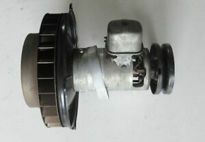 Lichtmaschine-6-Volt-90mm-mit-Regler-fuer-VW-Kaefer-Ovali-30PS-und-Porsche-356