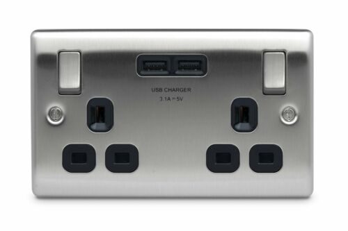 BG Nexus Double Prise avec 2 ports USB en acier brossé 3.1 A-NBS22U3B