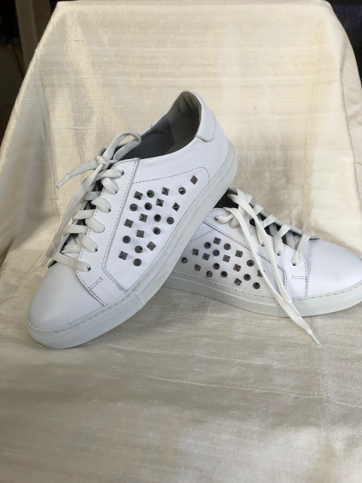 Boemos Low Top Studded blanc baskets (Taille 8.5 EUR 39)