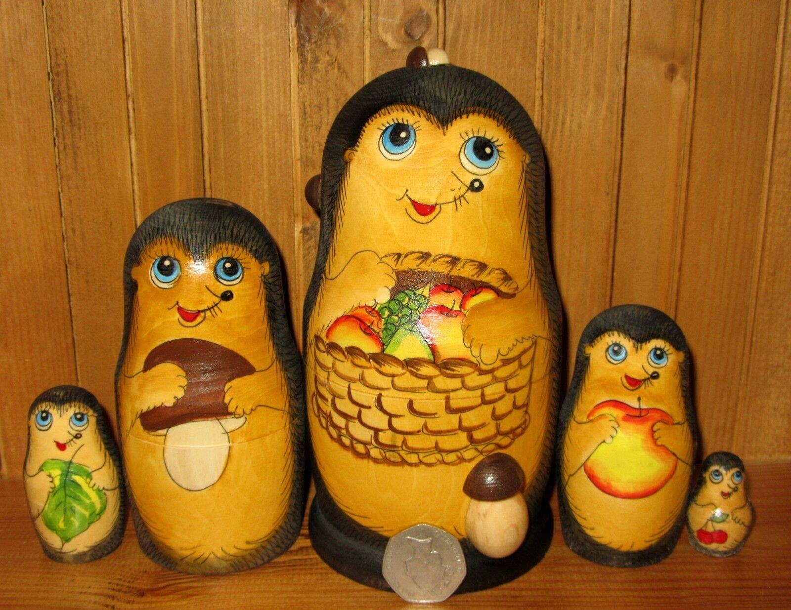 Nidificazione Bambole Russe Matriosca Dipinte A Mano 5 Hedgehog Family & Cesto di frutta