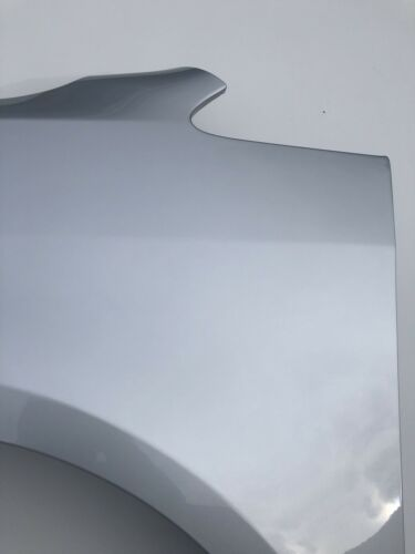 VW Touran Kotflügel links Reflexsilber Met LA7W ohne Blinkerloch 2010-2015 *