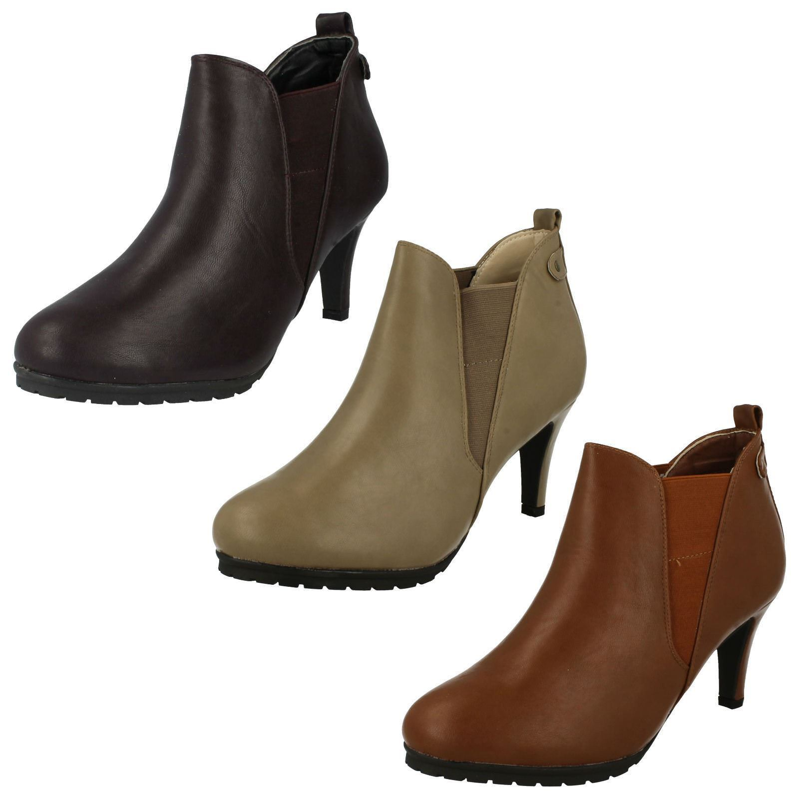 Ladies Spot On Ankle 'Boots'