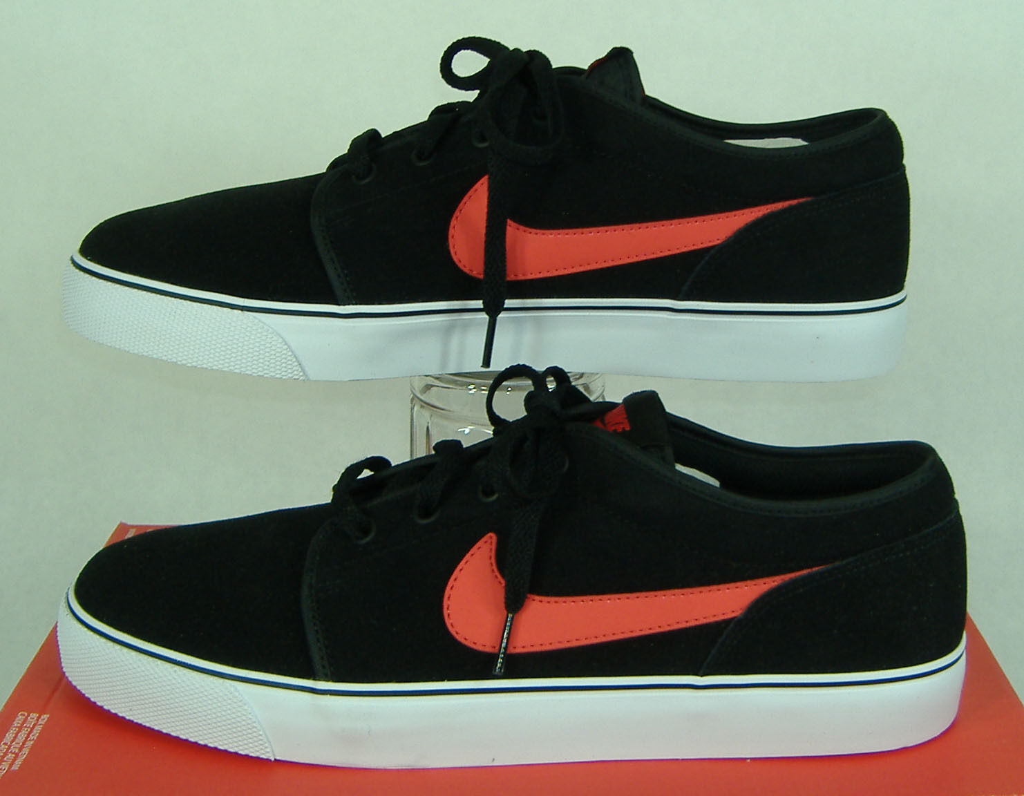 New Mens 13 NIKE Toki Low LTHR Black Red Suede Leather Party shoes  70