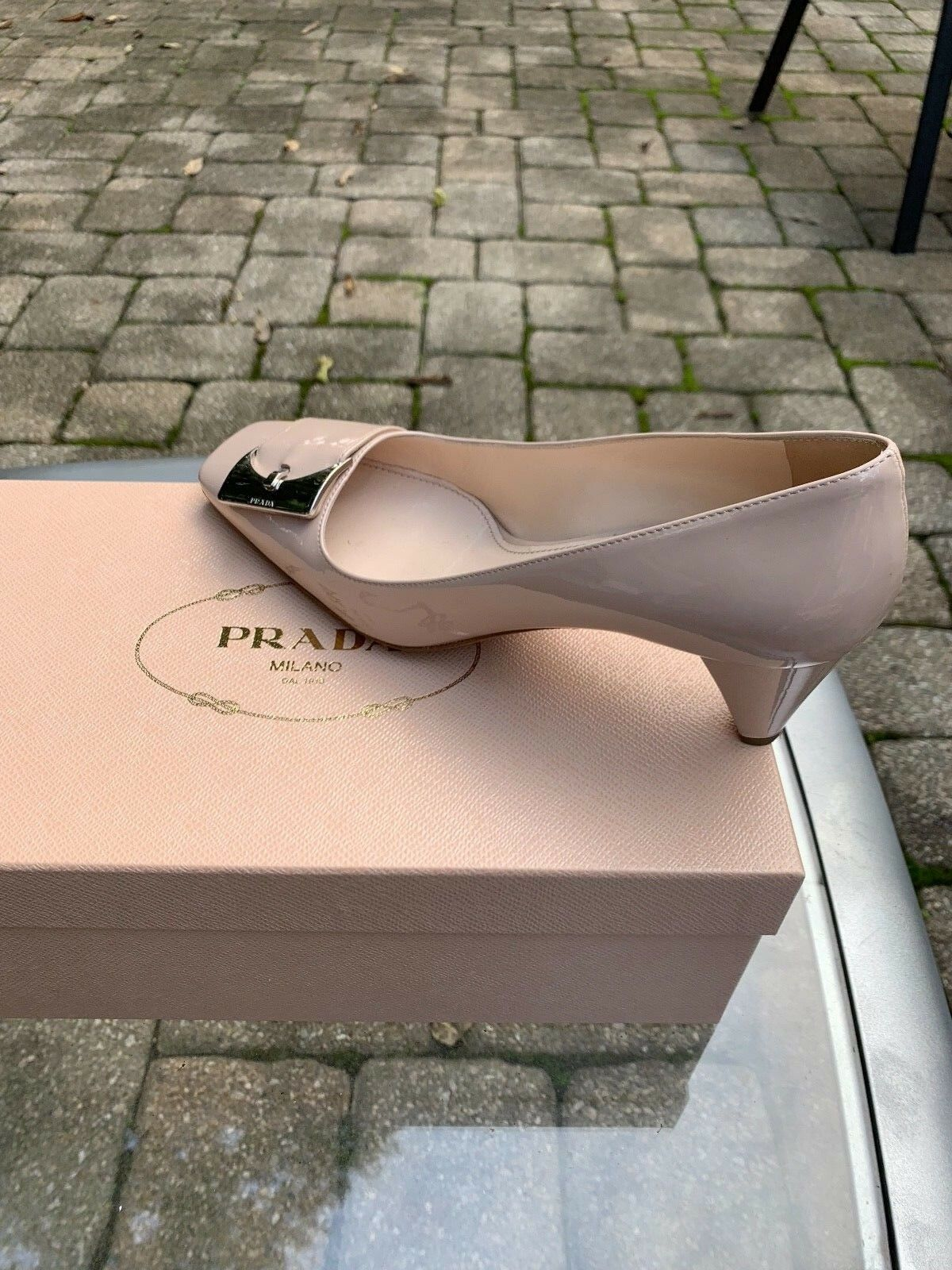 Prada Powder (Cipria)  Patent Leather  Square Toe Block Block Block Heel Pump SZ 37 c21732