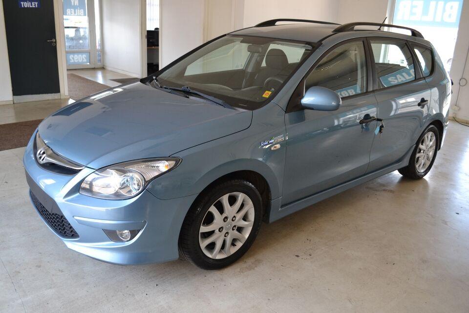 Hyundai i30 1,6 CRDi 90 Comfort CW Diesel modelår 2011 km