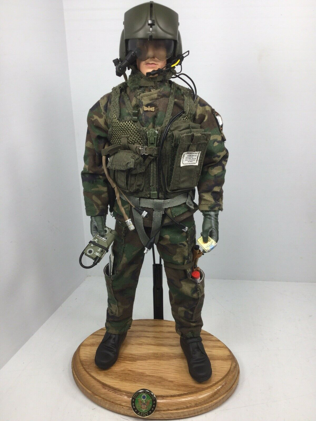 1 6 BBI US ARMY AH-64 APACHE MODERN ATTACK HELICOPTER PILOT +STAND DRAGON DID