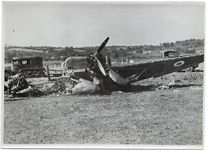 Abgeschossenes-Feindflugzeug-Orig-Pressephoto-von-1940