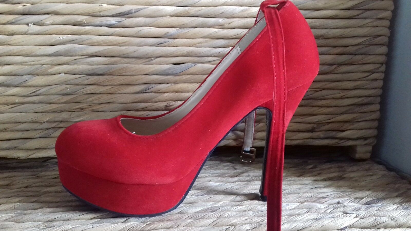 Ladies faux suede platform high heeled shoes, red, UK size 2