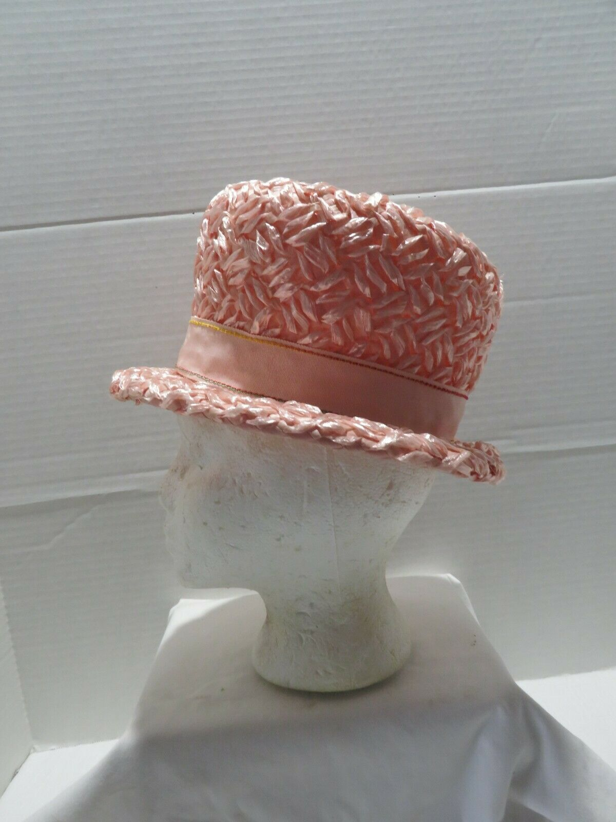 VINTAGE PINK STRAW BUCKET STYLE STRAW HAT EASTER/… - image 2