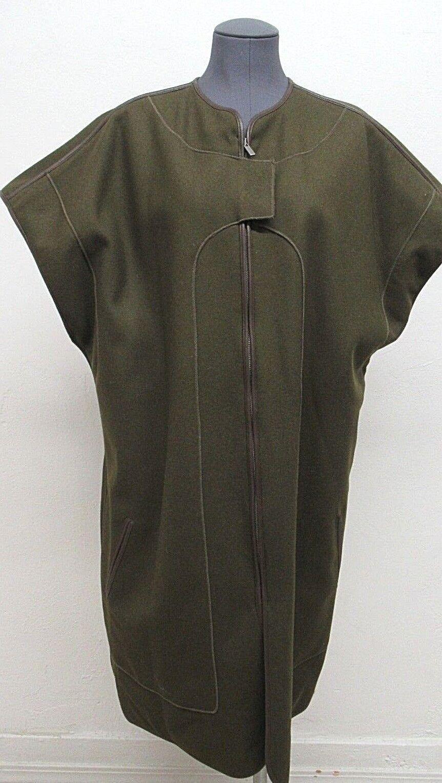 New  BCBGMAXAZRIA Runway Wool Blend Poncho with Wool Scarf in Green