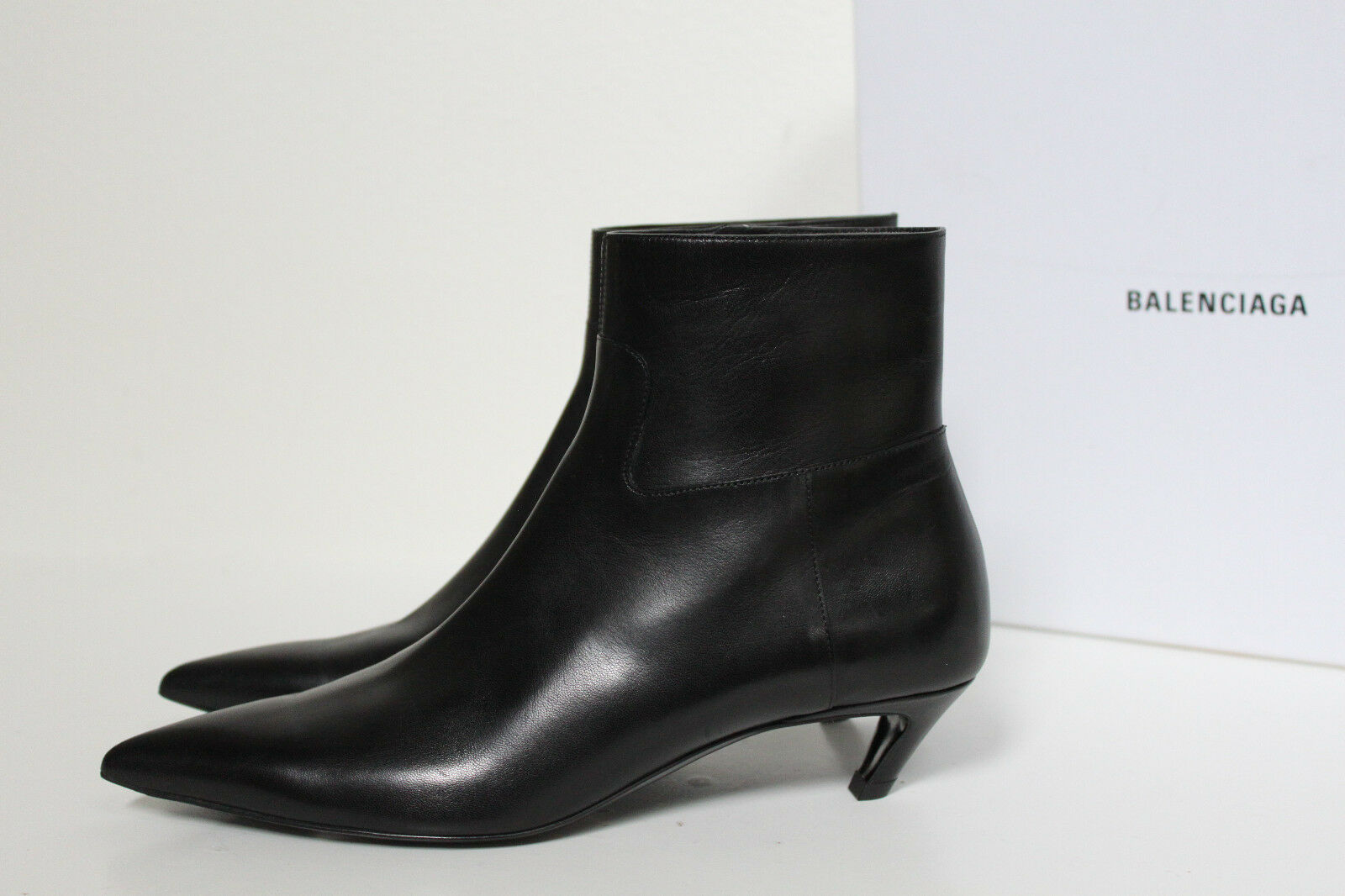 Sz 7   37 Balenciaga Balenciaga Balenciaga Slash Black Leather Pointed Toe Ankle Boot Low Heel shoes 661464