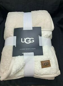 UGG Classic Sherpa Throw Blanket in