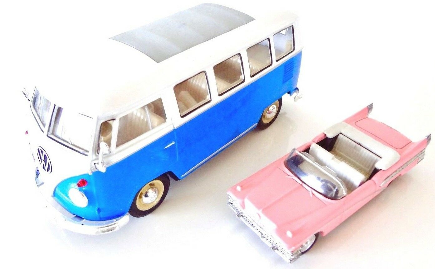 Die Cast Cars . Set 2 Classic Collectible VINTAGE . Lot of 2