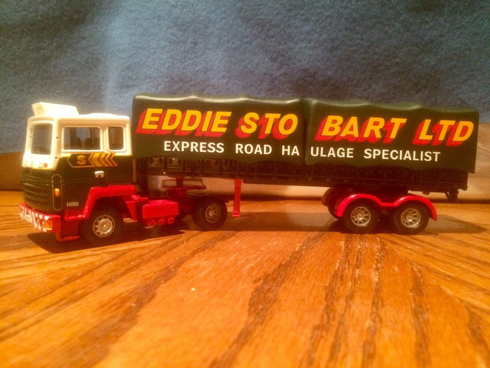 Corgi Classics Eddie Stobart Ford Transcontinental with Tilt Trailer - CC23101.