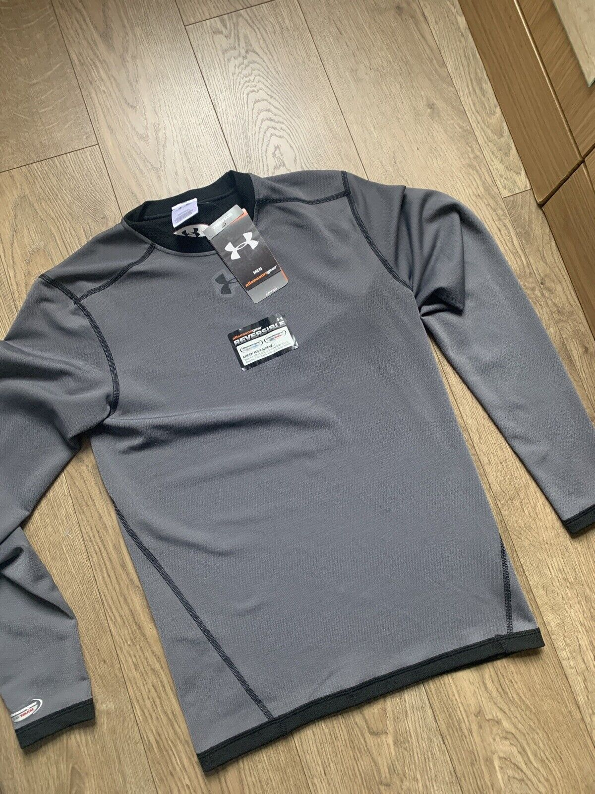 under armour All Season Gears Shirt Size Small Mens Brand New