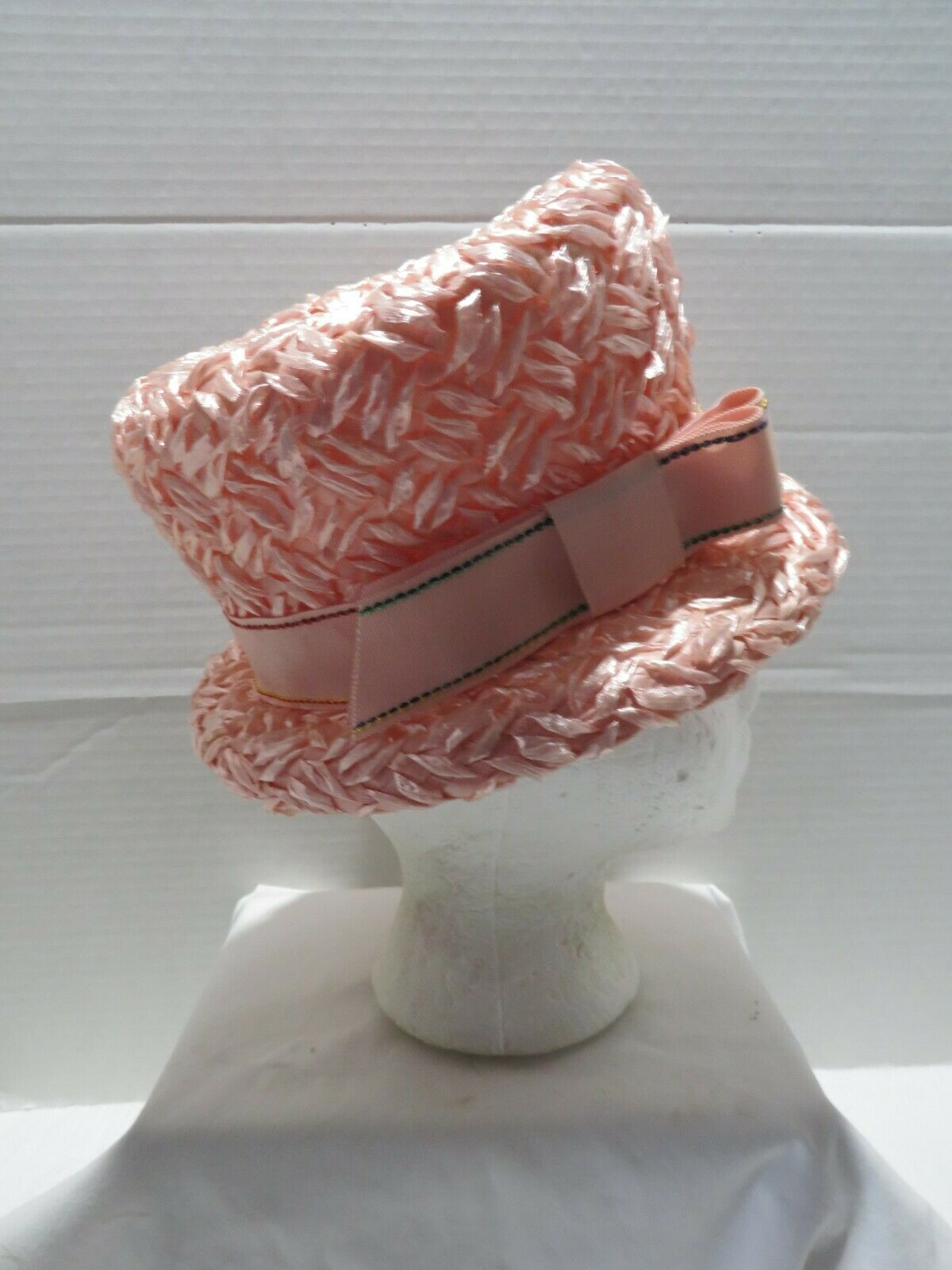 VINTAGE PINK STRAW BUCKET STYLE STRAW HAT EASTER/… - image 4