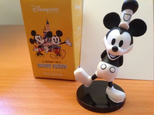 "Mickey Mouse Steamboat Willie /"" Mickey 90 Mouse Party /""  Boxed Limited Edition"