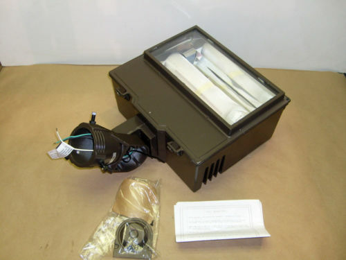 Cooper 250 Watt Flood Light Fixture With Buld Hps 120v