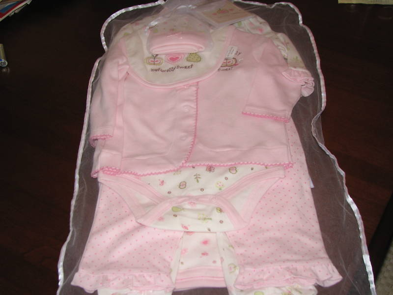 Sterling Baby 7 Piece Gift Set 6 Mo W Card Bodysuit