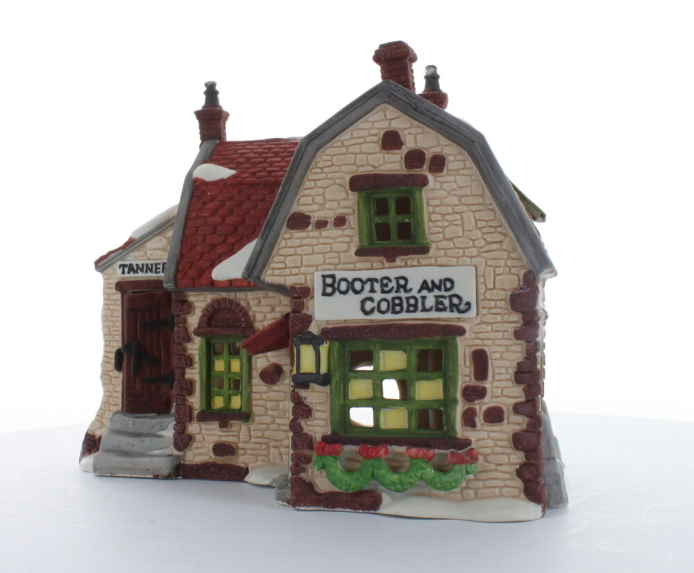 Department 56 Dickens 39 Village Collectible Booter And
