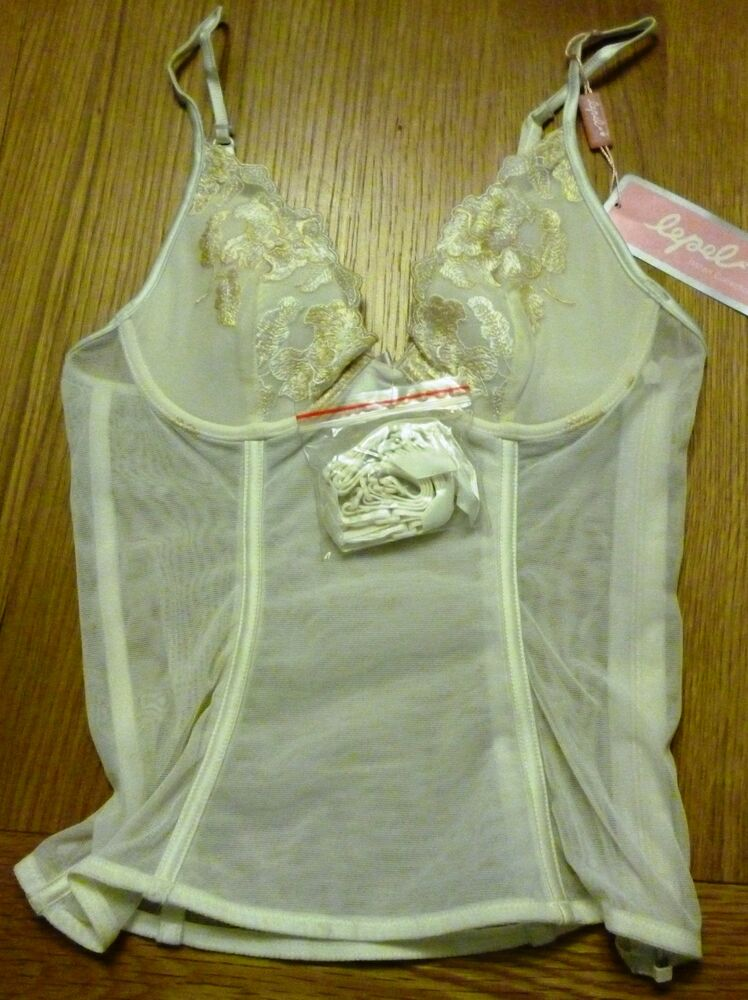 Lepel Ivory Basque with 4 Suspenders 92608 was £35 34A,34D ...
