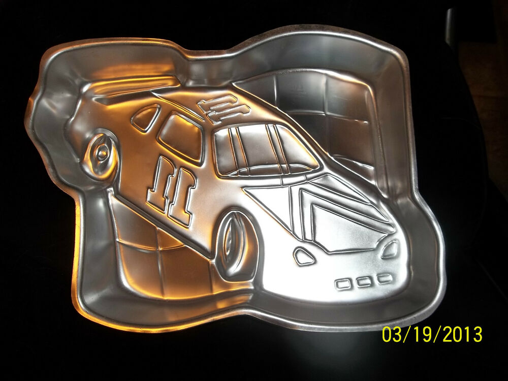 car cake pan wilton racing race car checkered flag nascar cake pan mold 2443