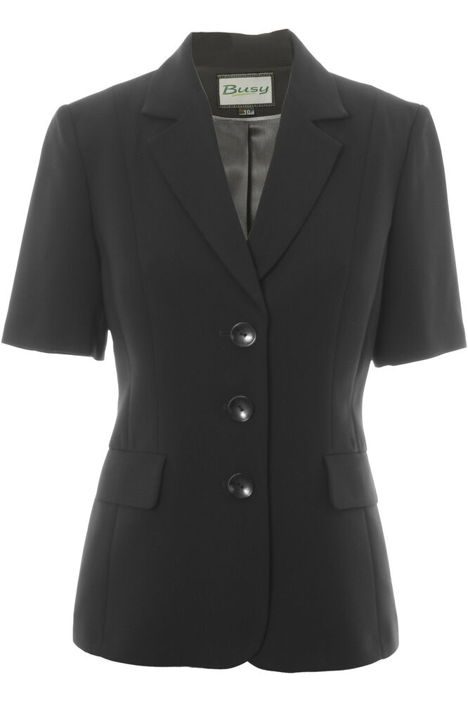 Womens Denim Suits; Choosing Short Sleeve Skirt Suits. Depending on your environment and even your age, you might opt for a specific type of modern skirt suit with a matching short sleeve jacket. The biggest difference between these types of suits is usually seen on the skirt style. Some are flared, pleated and almost girlish in quality.