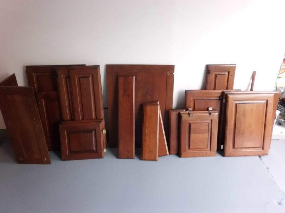 Raised Panel Kitchen Cabinet Doors W/hinges And Drawer