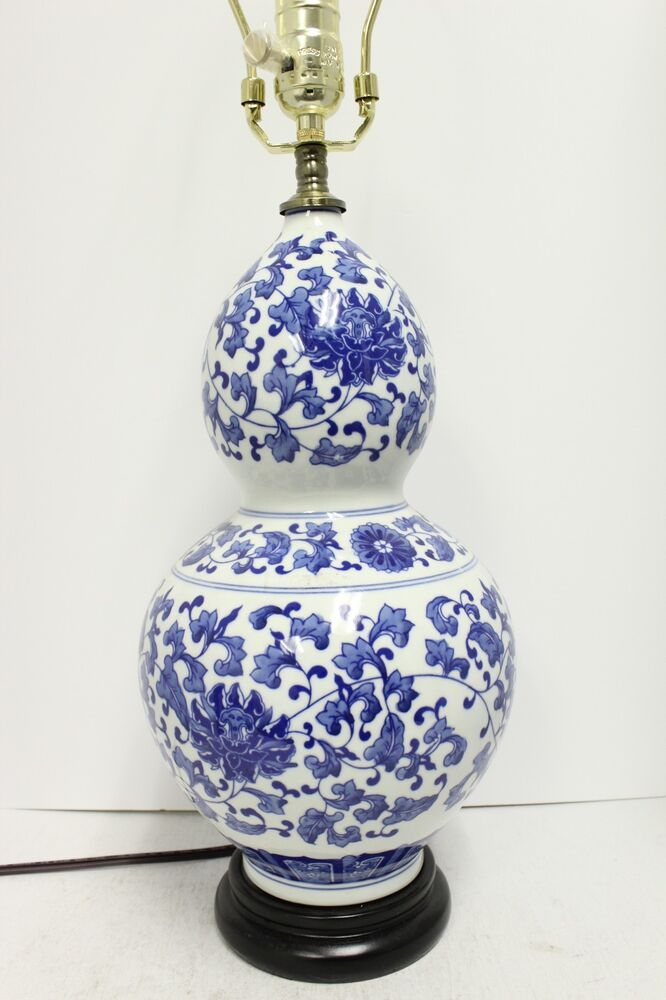Beautiful Blue And White Porcelain Gourd Shaped Table Lamp