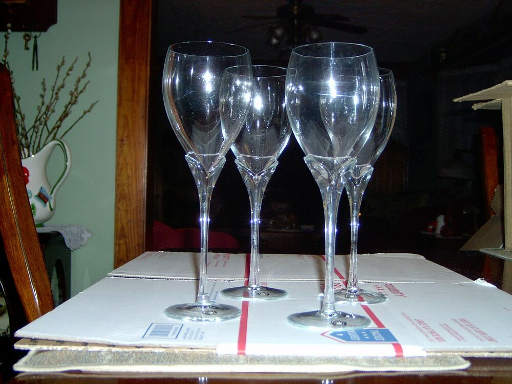 Used hand crafted wine glasses set of 4 made in for Hand designed wine glasses