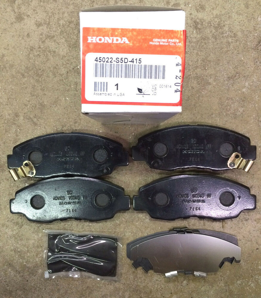 genuine oem honda civic front brake pad set 01 05 except hybrid brakes pads ebay. Black Bedroom Furniture Sets. Home Design Ideas