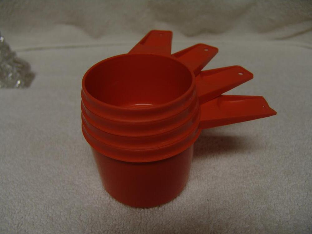 tupperware orange measuring 4 cups vintage 1 2 2 3 3 4 1 cup free shipping ebay. Black Bedroom Furniture Sets. Home Design Ideas