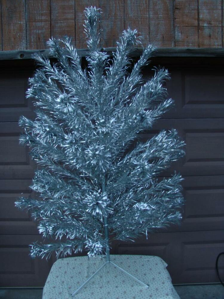 Vintage aluminum silver christmas tree ft tall w sleeves