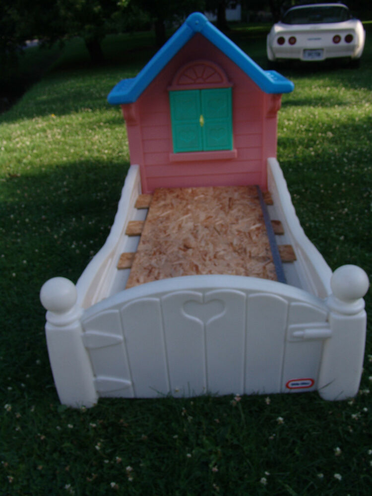 RETIRED LITTLE TIKES STORYBOOK COTTAGE CHILD SIZE TODDLER
